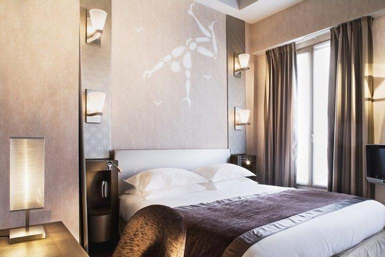 Hotel des Academies et des Arts, Paris