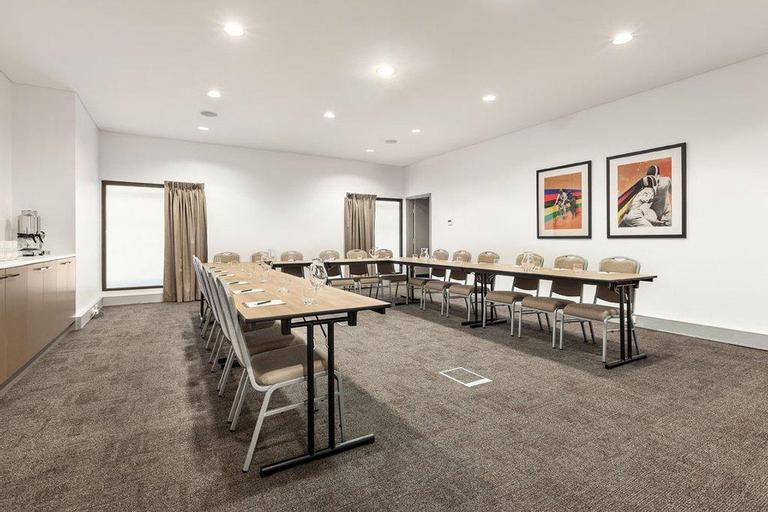 Quest at Sydney Olympic Park Serviced Apartment, Auburn