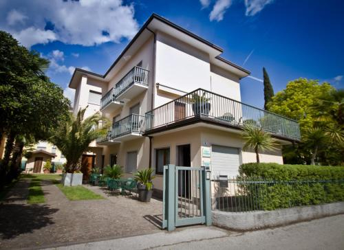 Villa Phoenix, Trento
