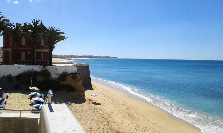Apartment With 2 Bedrooms in Armação de Pêra, With Wonderful sea View and Furnished Terrace - 200 m From the Beach, Silves