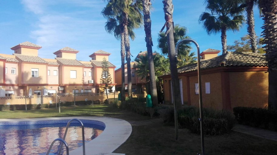 House With 3 Bedrooms in Lepe, With Shared Pool, Furnished Garden and Wifi - 2 km From the Beach, Huelva