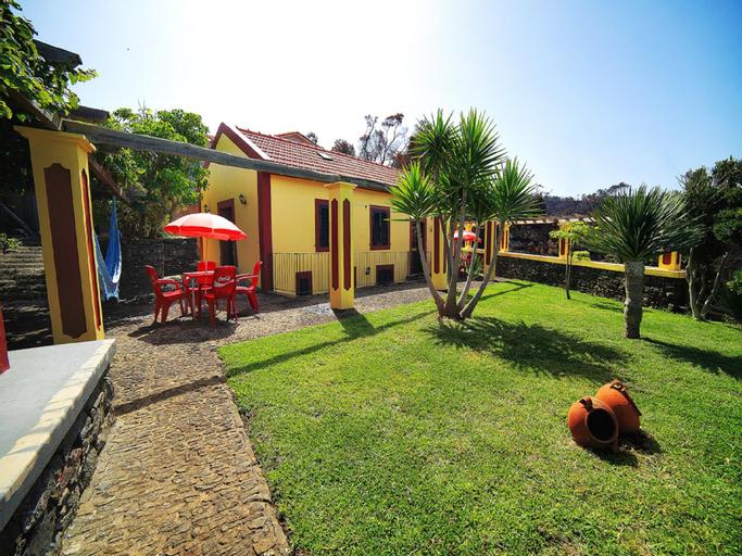 Studio in Ponta do Pargo, With Wonderful sea View, Furnished Garden and Wifi - 20 km From the Beach, Calheta