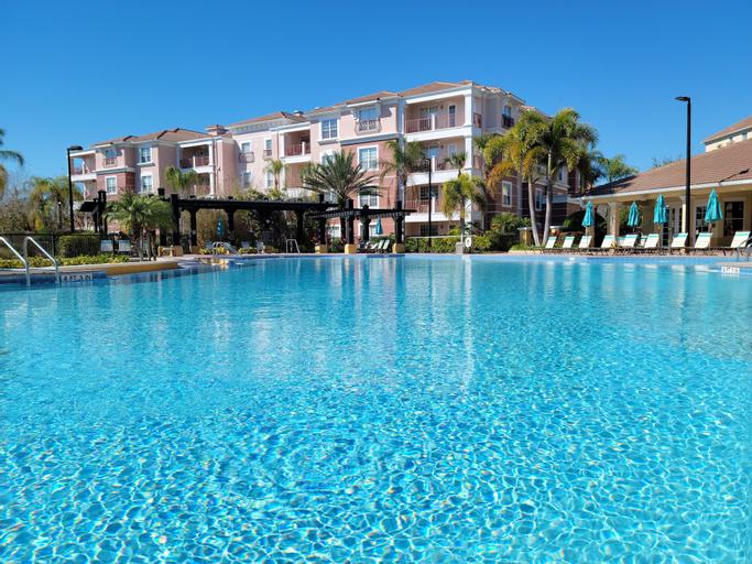 Vista Cay by Orlando Resort Rentals on Universal Boulevard, Orange