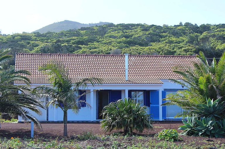 House With 2 Bedrooms in Baixa, With Wonderful sea View and Enclosed Garden, Lajes do Pico