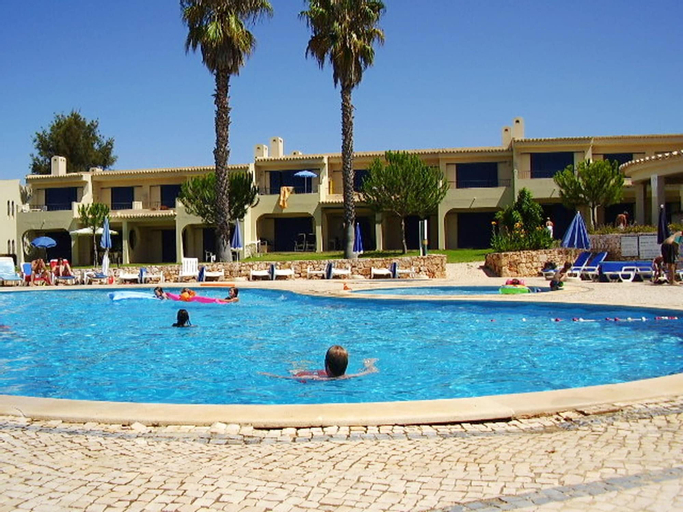 House With one Bedroom in Alvor, With Shared Pool, Furnished Terrace and Wifi - 2 km From the Beach, Portimão
