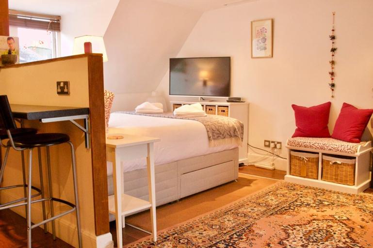 Cosy Studio Apartment - Sleeps 2, Edinburgh