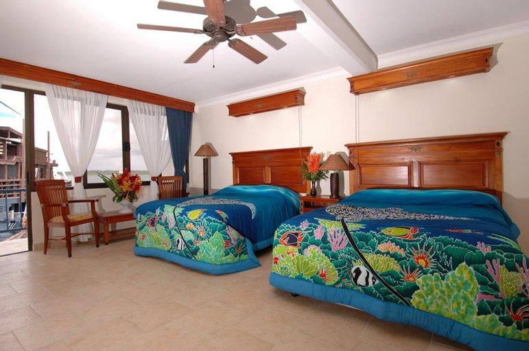 Manta Ray Bay Resort,