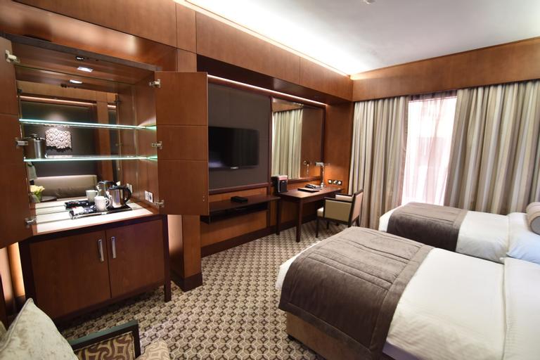 Ayla Grand Hotel, Al Buraimi