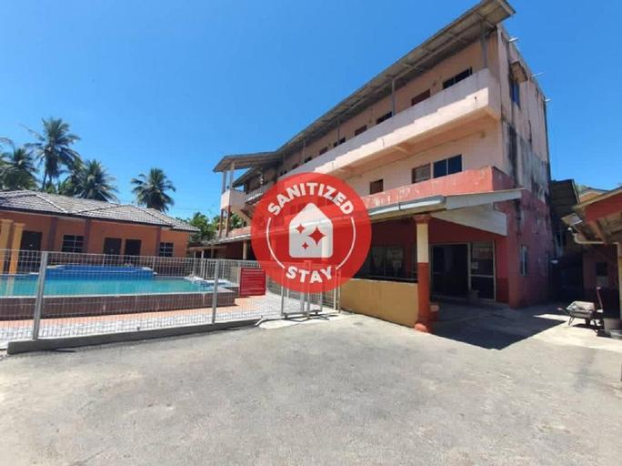 SPOT ON 90242 Sri Pantai Resort, Bachok