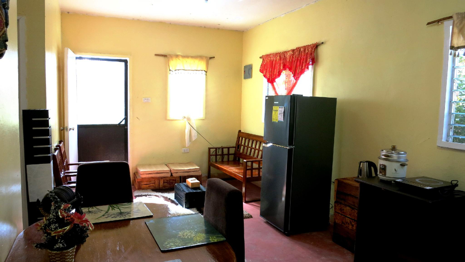Davao de Oro Country Home   Fully-furnished + WIFI, Nabunturan