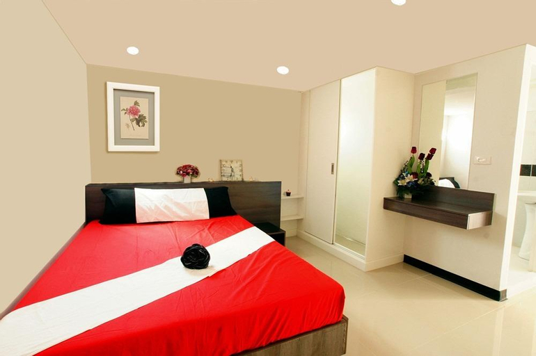Modest stay at The Rose Apartment, Muang Samut Prakan
