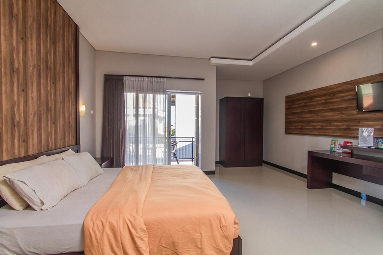 Huge Apartment with Low-cost close to the beach , Badung
