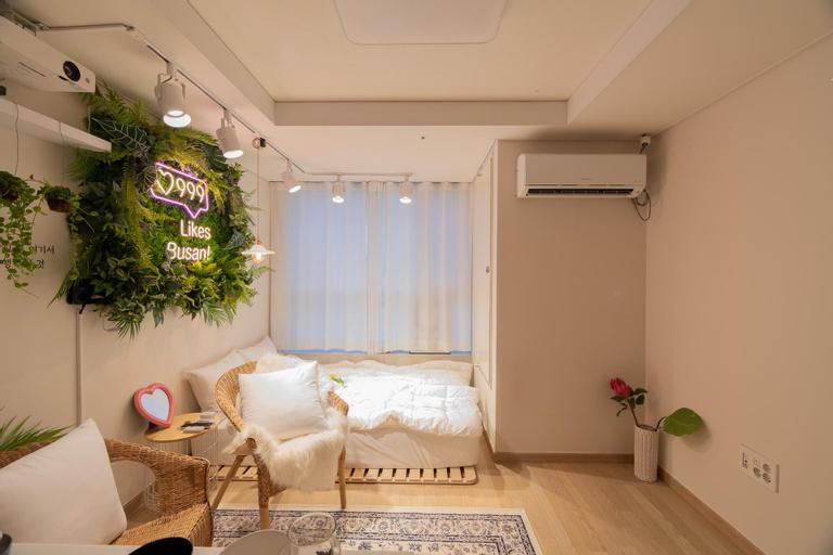 #15 NEW!!HIGH-RISE COZY N HOME CINEMA+SUB 2 MIN, Busanjin