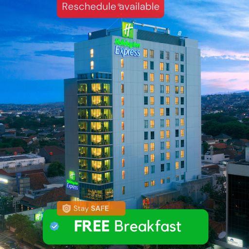 Holiday Inn Express Semarang Simpang Lima, Semarang