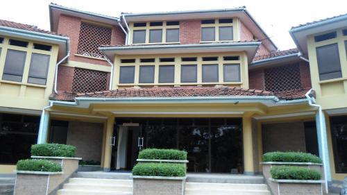 Crown Suites Ltd, Mbale