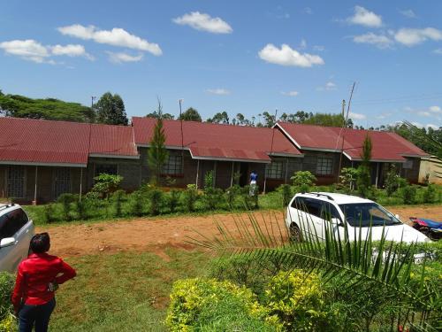Africana Yard, Saboti