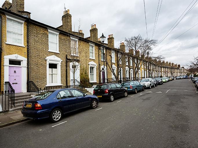 Veeve  Immaculate 3 Bedroom House Tavistock Terrace Islington, London