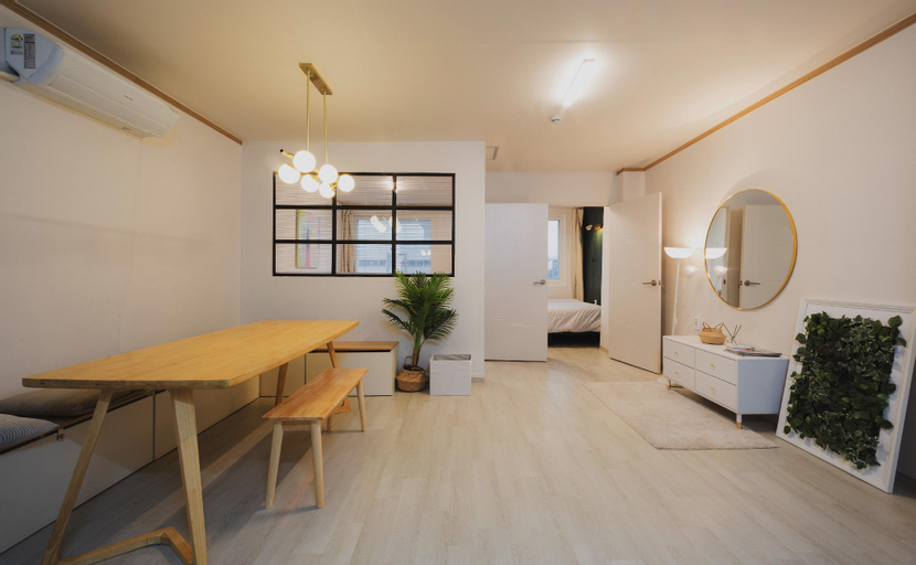 Dongdeamun Family Suite Apartment, Jung