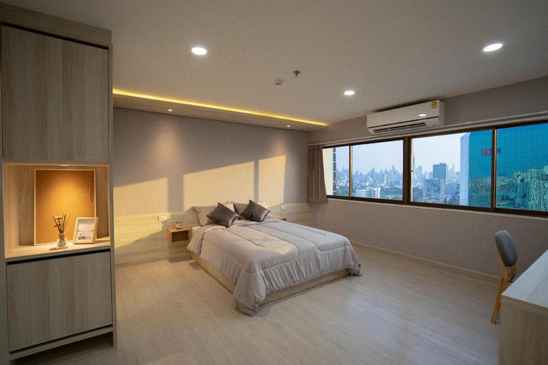 Brand new 70 SQM room -Only one step from BTS Ari, Phaya Thai