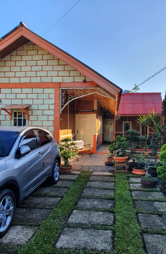Villa Daffa Ciwidey - for family events & leisures, Bandung