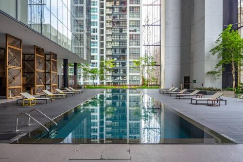 Loft working and living space in the city, Singapura