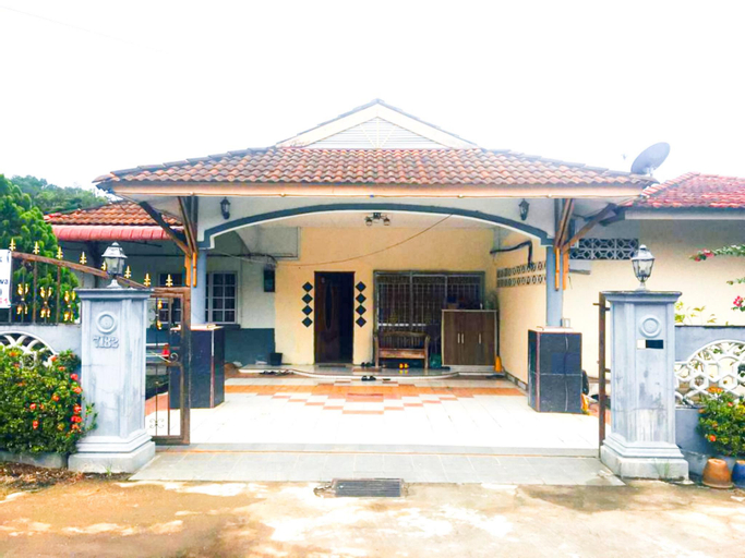 Bungalow Double With Shared Shower in City Center, Gua Musang