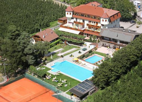 Hotel Weiss, Bolzano