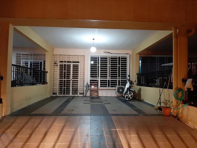 Calm and relax neighbourhood condition , Keningau