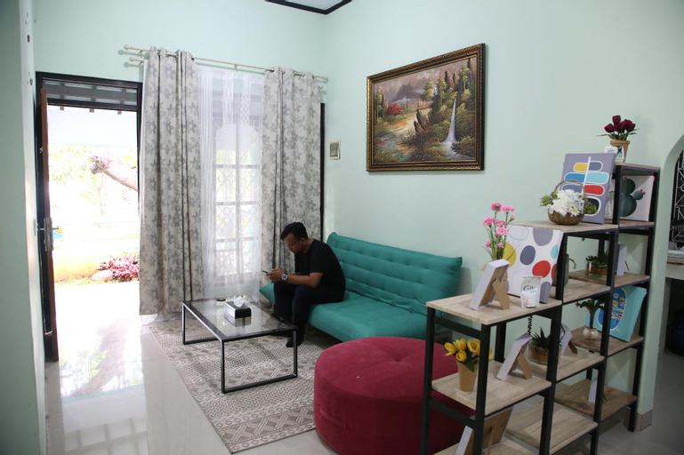 Fatimah Homestay Cirebon, Cirebon