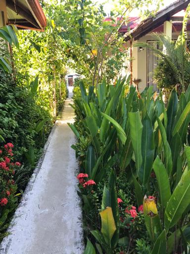 Tropical modern House, General Luna