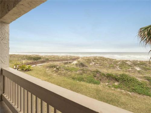 Four Winds E-10, 3 Bedrooms, Sleeps 10, Ocean Front, 2 Heated Pools, Saint Johns