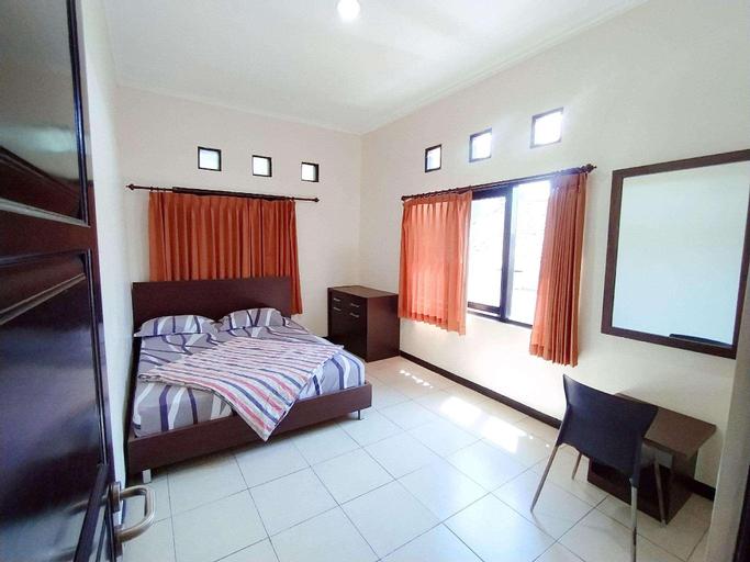 Villa Graha Nisrina 04, Malang