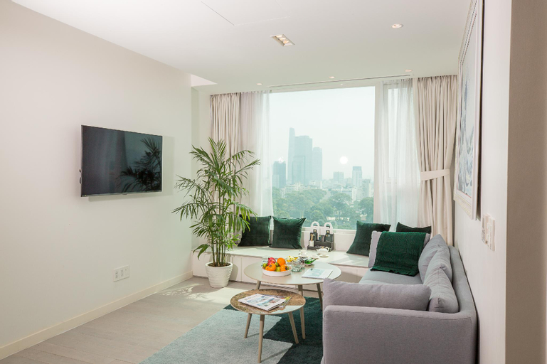 2 Bedroom Suite for 4 people with rooftop pool, Quận 3
