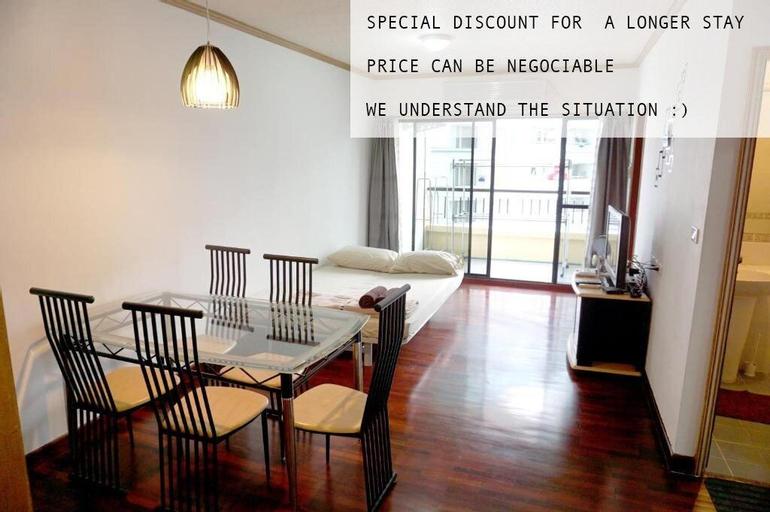 2BR Condo,The Best location,Clean,Convenient,, Ratchathewi