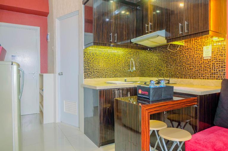 Warm 2BR Apartment Green Pramuka City By Travelio, Central Jakarta