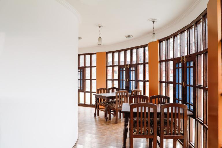 Capital O 71571 Hotel Golden Residency, Anantnag