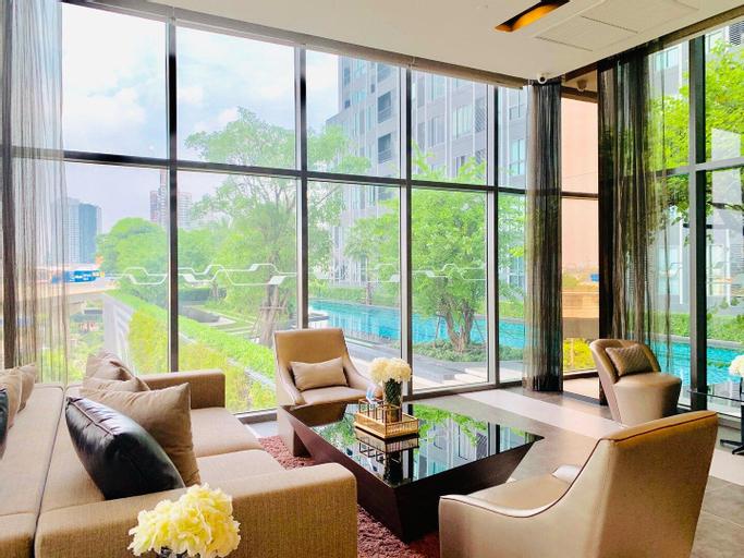 Luxurious 1BR Living IDEO Brand-New @ Bangna BTS, Muang Samut Prakan