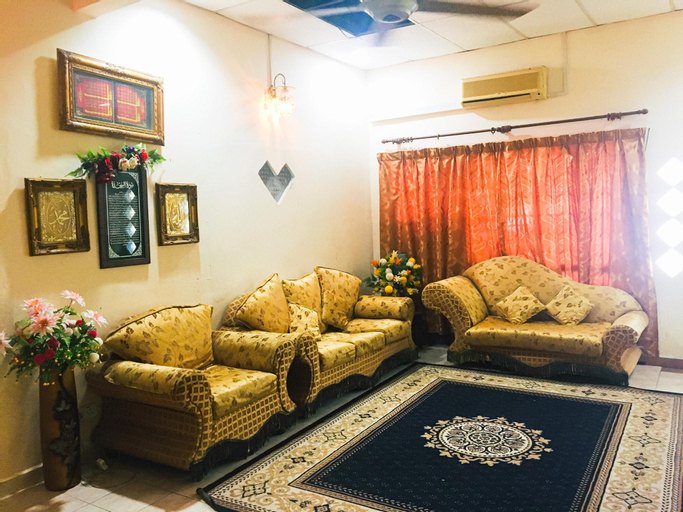 Bungalow Double With Private Shower in City Center, Gua Musang