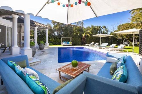 Almancil Villa Sleeps 13 Pool Air Con WiFi, Loulé