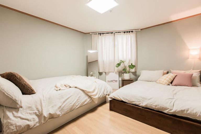 Bottle House with Premium mattress, 3min from stn, Guro