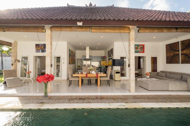 madevi--luxury cozy big garden and pool villa, Badung