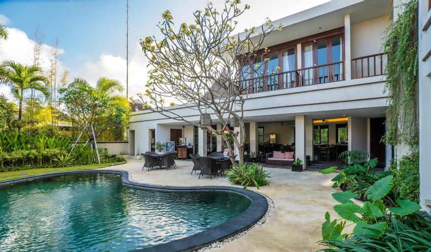 Entire house - 16 bedroom villa river side Legian, Badung