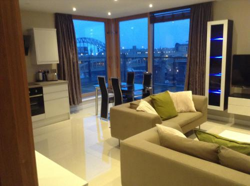 Amazing City Centre Penthouse With Private Roof Terrace, Newcastle upon Tyne