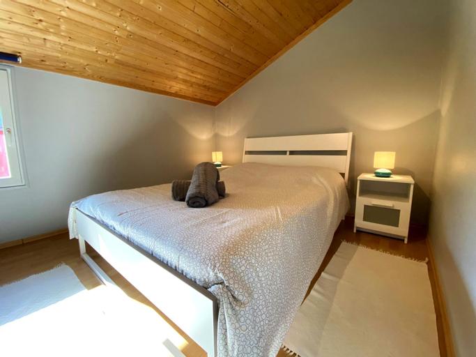 Cozy 1BR Apartment W Free Public Parking-130m Away, Diekirch