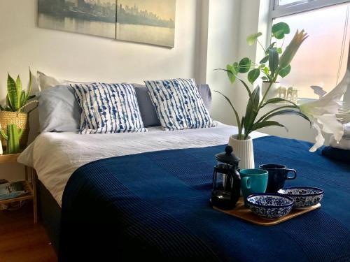 Spacious 2 bedroom flat with Garden, London