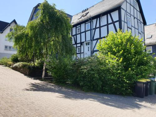 """Neu Gemutliche Ferienhaus mit 3 Ferienwohnungen """"Max """" , """" Leonore """" und """"Beatrice"""", Hochsauerlandkreis"""