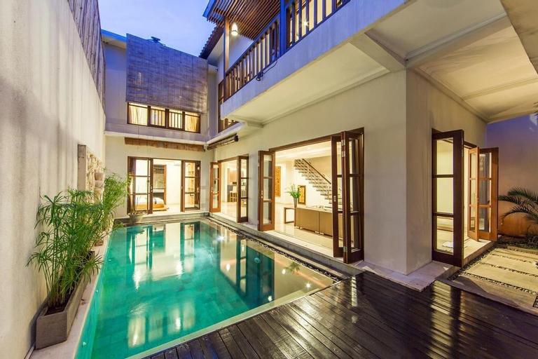 3BR Luxury+ Living Room Privat Pool@Seminyak, Badung