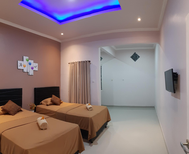 bis homestay  ( deluxe twin bed) room only, Sumbawa
