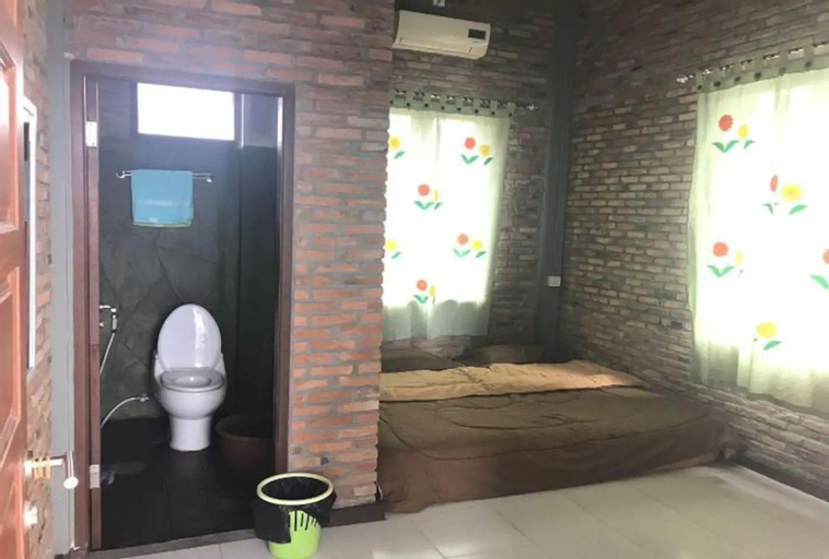 Bua Guesthouse - Standard with Private Bathroom, Deli Serdang