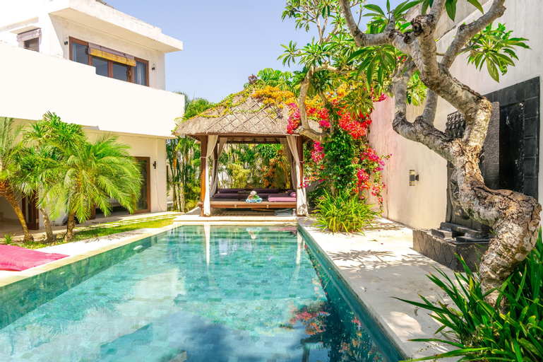 3 BR Orchid Paradise Bukit Villa | Rooftop Home, Badung